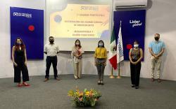 PRESENTAN EXAMEN PROFESIONAL LIC. EN MERCADOTECNIA Y DISEÑO PUBLICITARIO UO CANCÚN